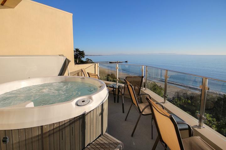 Sea Cliff Beach Home