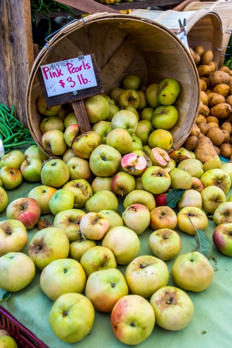 Farm Mkt Apples